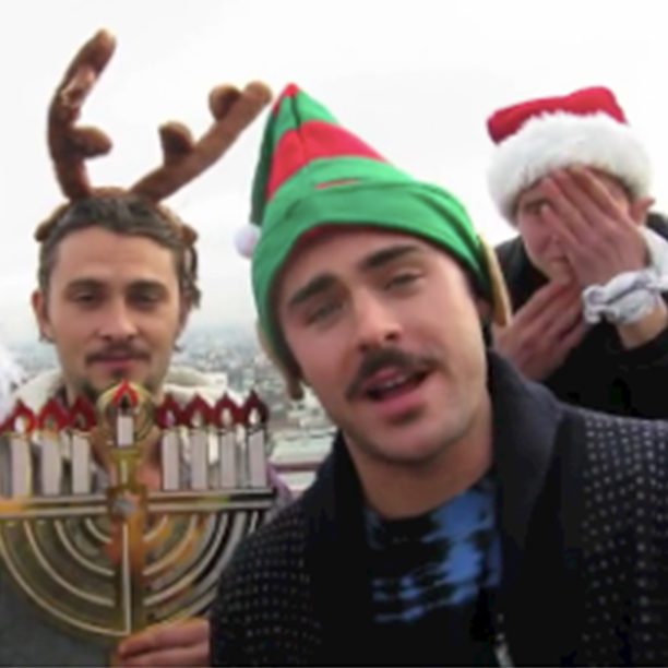 Zac Efron Dresses Like Elf Wishes Everyone A Merry Christmas